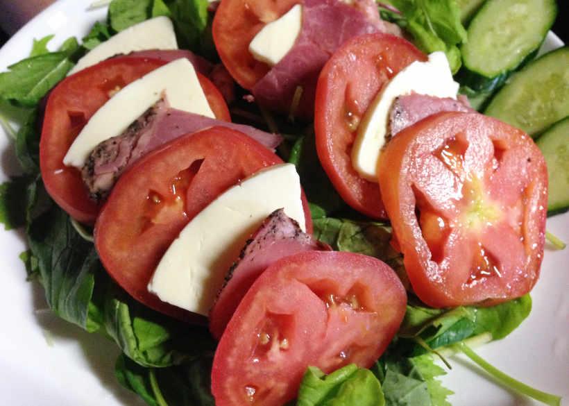 ほぼ盛り付けのみ『トマトチーズサラダ』