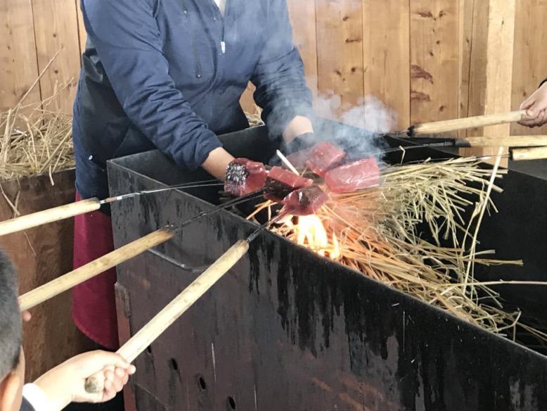 タタキ藁焼き