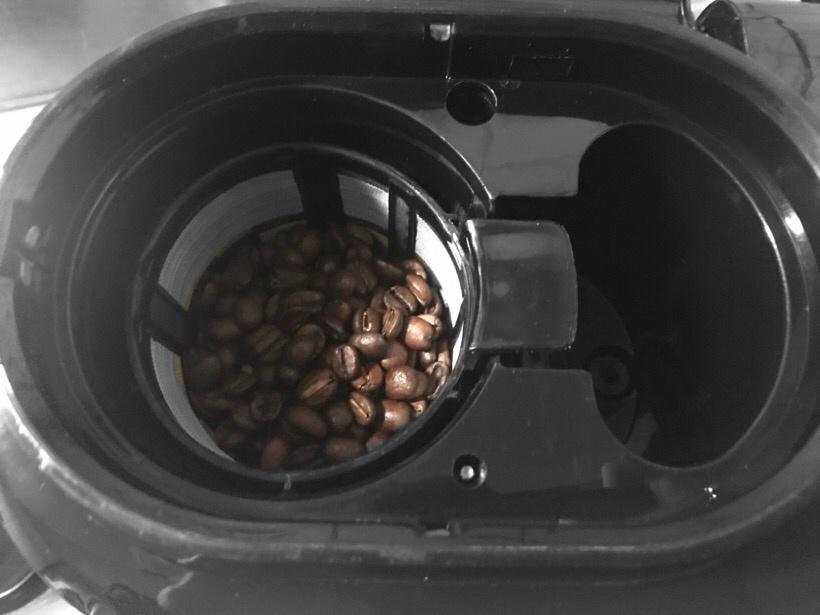 コーヒー豆挿入